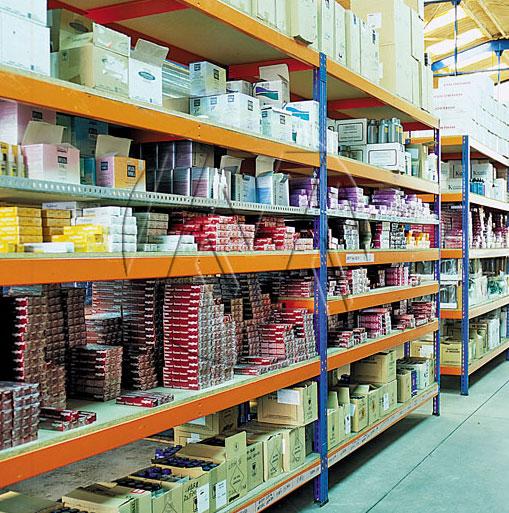 Metal Point Plus metal shelves for shop exhibitions